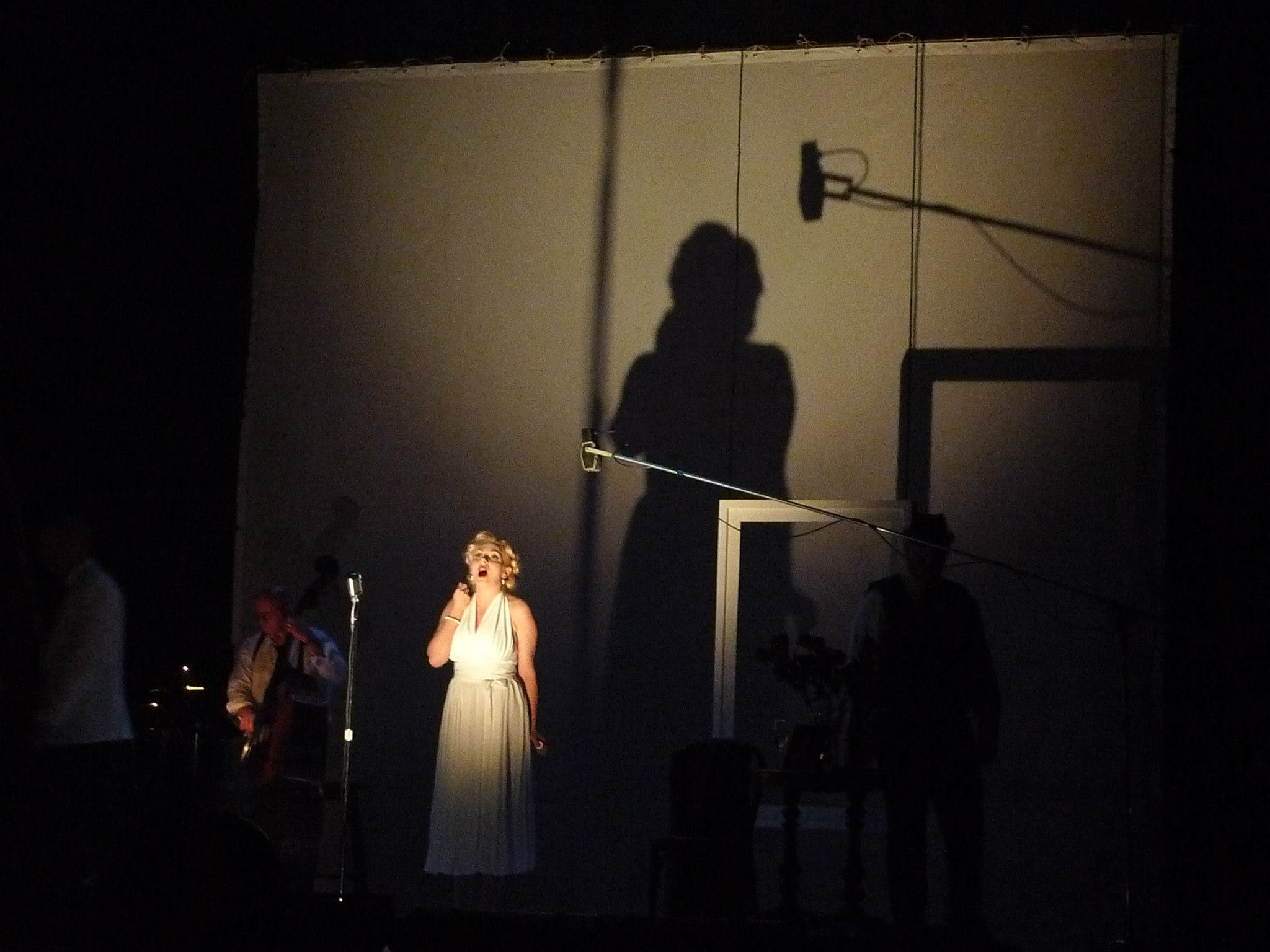 Marilyn Forever - Opera by Gavin Bryars. Photo by Anthony B. Creamer
