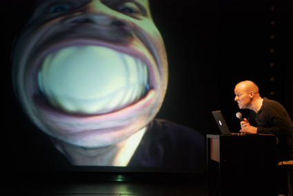 INTER_FACE - a multimedia soloperformance